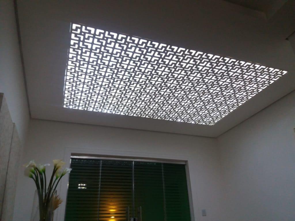 painel decorativo no teto