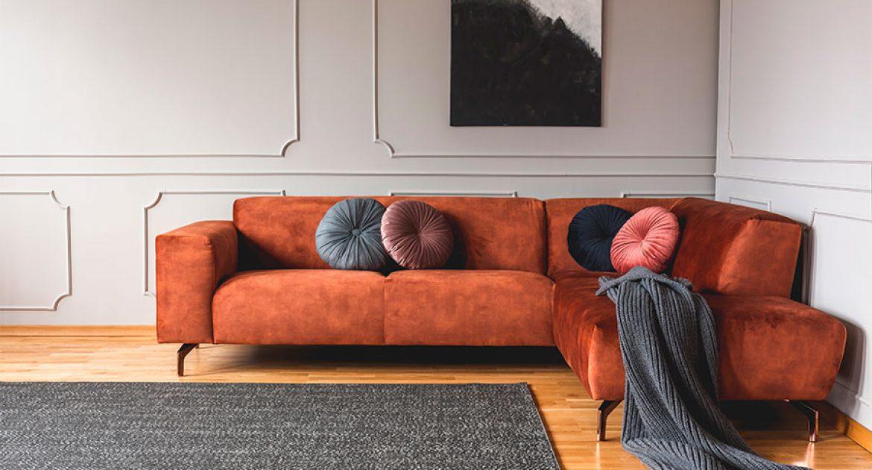 Como combinar tapetes com pisos de madeira?